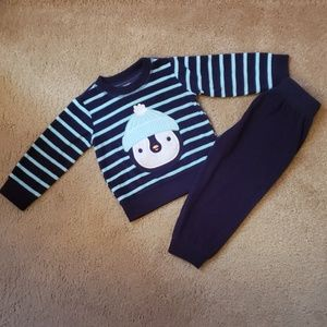 Carter's two piece baby set ( Boy's 12 months)